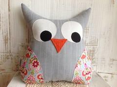 (monaw2008) Tags: handmade pillow workshop owl applique reused monaw monaw2008