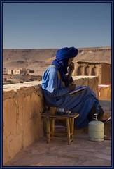 Berber blue (Ciao Anita!) Tags: blue friends man blauw blu uomo morocco berber marocco azzurro unescoworldheritage marokko kasbah kasba aitbenhaddou berbero kashba theunforgettablepictures theperfectphotographer soussmassadaraâ unescowerelderfgoedlijst unescopatrimoniodellumanità fotoworkshopnl