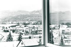 Spiegelbild (Nachett) Tags: schnee houses white snow reflection blanco window landscape ventana fenster nieve paisaje reflejo casas landschaft spiegelbild tejados huser fooftops dcher weis