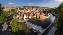 Above the riverbend of Vltava (dieLeuchtturms) Tags: river europa europe tschechien tschechischerepublik fluss bohemia vltava 16x9 moldau eskkrumlov bhmen echy jihoeskkraj bhmischkrumau krummauandermoldau bohemiancrumlaw