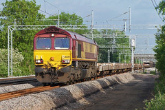 66220, Cathiron, 6M82 (Jason 87030) Tags: cars train kodak shed may engine sunny 2006 cargo locomotive freight warwickshire wembley yingying ews wcml trentvalley warks washwoodheath cathiron 6m82 66220