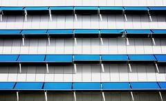 Sonnenblender (Mastahkid) Tags: windows sun sunlight building lines university fenster nederland thenetherlands universitt groningen sonne gebude abstrakt niederlande linien sonnenlicht mastahkid ontourwithmyego