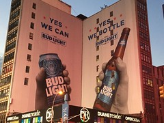 Advertising in NYC (Creusaz) Tags: advertising nyc new york newyork budweiser bud light