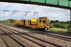 Stoneblower @ Coppenhall - Crewe (uksean13) Tags: yellow canon cheshire crewe networkrail ef28135mmf3556isusm trackmachine coppenhall stoneblower 760d