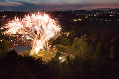 Feuerwerk Schloss Hellbrunn (Simon Neutert) Tags: salzburg tourism lumix austria sterreich view fireworks panasonic poi schloss feuerwerk hellbrunn vario m43 mft gh4 1235mm