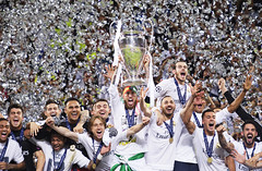 Real Madrids players cheering   Inside the mind of a Champions League Final photographer (I Am Nikon Europe) Tags: italien people football outdoor milano soccer crowd final ita championsleague cheering jubel realmadrid atleticomadrid championsleaguefinal2016