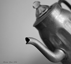 Empty coffee pot (Marian Kloon (on and off)) Tags: odc somethingkidstodaywillneverknow