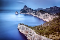Cap Formentor #explore (Fabien Georget (fg photographe)) Tags: sky nature water beautiful sunrise canon french landscape geotagged photography eos photo flickr shot earth great cap bateau paysage paysages wonders formentor fabien greatphotographer georget beautifulearth majorque wondersofnature supershot perfectphotograph theworldthroughmyeyes bigfave dflick perfectpictures supershotaward elitephotography phographers flickrunited elitephotographie ayezloeil flickunited canoneos600d elmundopormontera fabiengeorget cloudsstromssunsetandsunrise fgphotographe mordudephoto flickrdepot