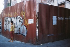 Nguy him (tocbasoi) Tags: street life color gravity women
