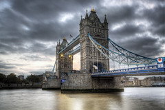 2012-11-05 18a (JoaquinMadrid) Tags: city uk england color london skyline canon europa europe united capital kingdom ciudad londres hdr