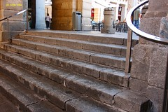 Escalinata de la calle Felipe III a la Plaza Mayor. Madrid (Carlos Vias) Tags: madrid mayor felipe calles escalinata