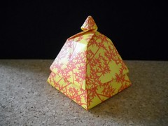 ...and another one! (Chouett'origami) Tags: origami box tomokofuse