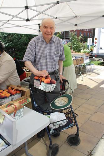 Peach Festival and Farmers' Market - 140 Merton Street - August 17, 2012 (2)