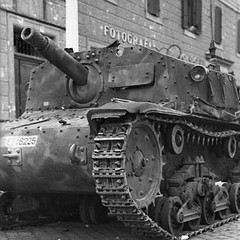 "Italian Sturmgeschütz Semovente ( self propelled gun) • <a style=""font-size:0.8em;"" href=""http://www.flickr.com/photos/81723459@N04/9184751025/"" target=""_blank"">View on Flickr</a>"