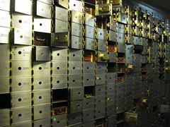 017 (bwiggins55) Tags: bank vault safe woolworthbuilding safedepositbox