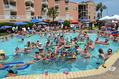 2013 rits sat pool party (16)