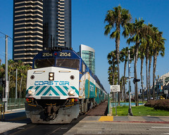 SDNX 2104 @ San Diego, CA (Mathieu Tremblay) Tags: california tree train downtown surf crossing unitedstates sandiego palm line commuter coaster surfline