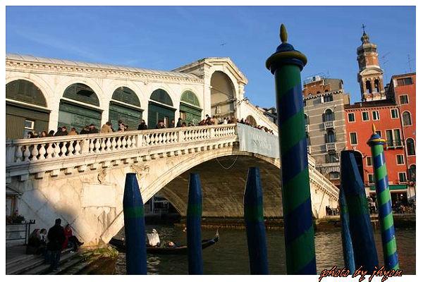 1108878313_不同角度的雷雅多古橋