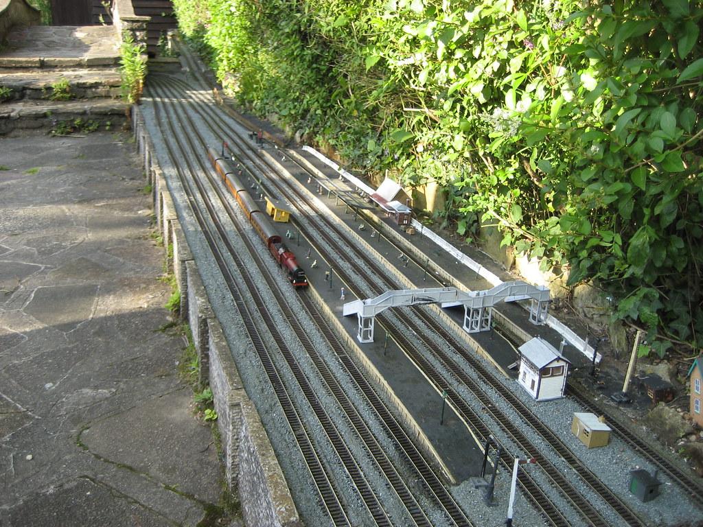 Daws Heath Garden Railway (Gricerman) Tags: Gardenrailway 00gauge Dawsheath  Dawsheathgardenrailway