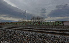 Le graffiti c'est mon moteur Vf (38) (Le Chakal) Tags: france train graffiti lyon graff tgv vf nav 38 ambiance isre vision:outdoor=099 vision:sky=0948 vision:ocean=0737 legraffiticestmonmoteur