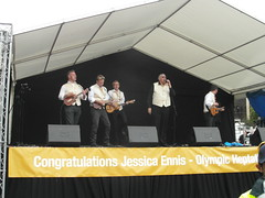 The Everly Pregnant Brothers - Jessica Ennis' Sheffield Homecoming, August 2012 (Dave_Johnson) Tags: everlypregnantbrothers petemckee jessicaennis sheffield london2012 olympicgames jessennis jessicaennishill jessennishill mckee southyorkshire olympian olympics