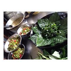 """""""เมี่ยงปลาเก๋า"""" แบบบ้านๆครับ เมนูสำหรับมาเป็น #หมู่คณะ #จัดเลี้ยง #กรุ๊ปทัวร์ #อาหารเซ็ท #JMcuisine #หน้าไม่งอรอไม่นาน รองรับ 1000 ที่นั่ง www.JM-cuisine.com Tel. 08.99.1000.99"""