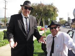 Mutt & Jeff Blues at the 2014 Doo Dah Parade (Robb Wilson) Tags: parade pasadena doo dah elwoodblues bluesbrothers doodahparade jakeandelwoodblues jolietjakeblues