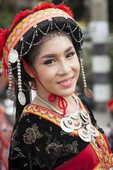 Thai Girl (♥siebe ©) Tags: portrait flower girl festival thailand corso parade thai chiangmai portret flowerfestival bloemencorso 2015 เชียงใหม่ ประเทศไทย ไทย สวย เมืองไทย ผู้หญิง หญิงสาว
