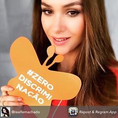 """""""Porque discriminação só traz dor, vamos espalhar o amor!"""", disse a atriz Fernanda Machado (@realfermachado) em sua conta do Instagram."""