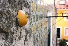 Intra Larue 724 (intra.larue) Tags: street urban art portugal breast arte lisboa pit urbana urbano teta sein moulding lisbonne urbain pecho peito intra formen seno brust moulage tton