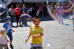 Bolle a Venezia (Valdy71) Tags: venice children child bambini bubbles venezia bolle