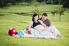 Gravidez (Vinicius_Ldna) Tags: family brazil portrait familia canon 50mm couple retrato pregnancy motherhood casal gravidez londrina cornlioprocpio 4514 aguativaresort