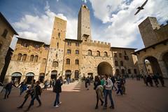 San Gimignano (piper969) Tags: plaza italy square italia towers tuscany piazza sangimignano toscana torri