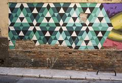Graffiti to beautify a neighborhood in decline 1/3 (- Cajn de sastre -) Tags: graffiti decay urbandecay lodefotos