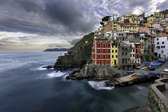 Sunrise in RIomaggiore - Cinque Terre (Italy) (luke.switzerland) Tags: riomaggiore italy cityscape landscape seascape sea clouds colors travel cinque terre longexposure nikon d810