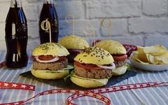 Oggi che  l'Independence day impariamo a fare i panini perfetti per gli hamburger (RicetteItalia) Tags: usa panini ricette 4luglio