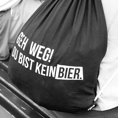 Berlin... (Werner Schnell Images (2.stream)) Tags: berlin smile weekend bier rucksack tgif ws