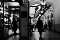 Pasaje Mac-Clure, Santiago de Chile (ppcortes) Tags: street blackandwhite blancoynegro calle hyperfocal fujix100