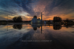 25th Ramadhan (ku.mohd) Tags: sky cloud reflection sunrise colorful awesome religion dramatic mosque filter ramadhan raymaster