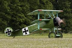 Fokker Dr.I - 8 (NickJ 1972) Tags: les la aviation des replica airshow temps dri fokker dr1 2016 triplane alais helices ferte 52517 fazvd