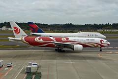 Air China Boeing 777-2J6 B-2060 Red Phoenix Liner (EK056) Tags: air china boeing 7772j6 b2060 red phoenix liner tokyo narita international airport