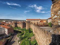 Sistema defensivo . (mentaymenta) Tags: medieval muralla cubo defensa puertas amurallado