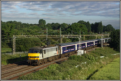 90047, Blisworth, 1M16 (Jason 87030) Tags: sky cloud field clouds train canon grey view beds northamptonshire scene rails 90 northants coaches inverness hire skoda freightliner blisworth class90 caledoniansleeper 50d londoneuston coachingstock lineside 90047 acelectric 1m16