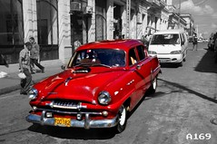 #BeOnTheMove in downtown Havana (Alchemist169) Tags: cuba streetphotography hdr worldtour yolo beonthemove streamzoo fortheloveofblackandwhite hdrcreators theartofblackandwhite findingty