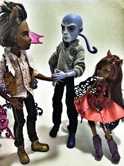 Meet the family (keylimepony) Tags: family werewolf couple cam puma createamonster monsterhigh clawdeenwolf clawdwolf sweet1600 uploaded:by=flickrmobile flickriosapp:filter=nofilter