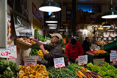 The wonderful colors of Pike Place Market (Denzil Burriss) Tags: seattle travel november vacation people canon washington northwest market candid pikeplacemarket 2012 highiso seattlearea 5d3 5diii