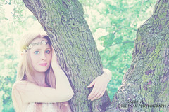 hippie life (kate.maximiliane) Tags: flowers tree green love nature beauty hug natural live hannah blonde hippie blondehair hugatree fashionata naturalblonde hippielife
