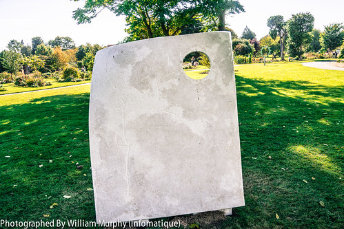 Pierced Twist By Ken Drew - Sculpture In Context 2013 In The Botanic Gardens