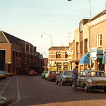 "Grote Markt 1979 <a style=""margin-left:10px; font-size:0.8em;"" href=""http://www.flickr.com/photos/99860362@N04/10928299004/"" target=""_blank"">@flickr</a>"