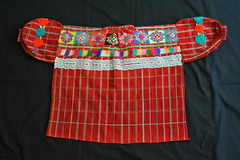 Blouse Guatemala Maya (Teyacapan) Tags: clothing maya guatemala textiles ropa blouses guatemalan blusas santiagochimaltenango